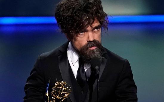 """彼特·丁拉基第四次凭借""""小恶魔""""角色获得""""最佳男配角""""奖。图片来自视觉中国"""