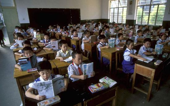 北京:继续保障符合条件的非京籍适龄子女义务教育