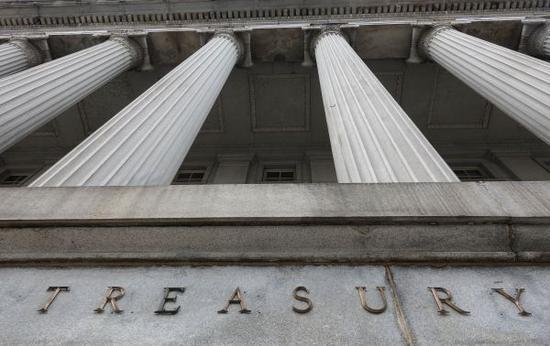 这是2019年1月1日在美国首都华盛顿拍摄的美国财政部。新华社记者 刘杰 摄