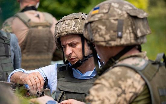 泽连斯基视察乌克兰东部地区 (图源:乌克兰总统网站)