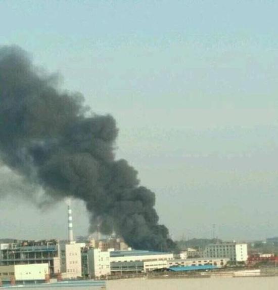4月2日,安庆大观开发区万华油品公司发生闪爆事故。人民网 资料图