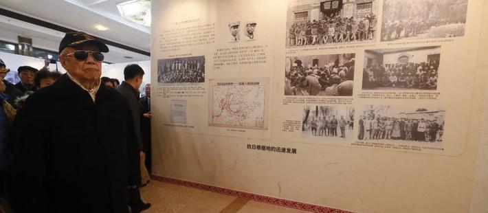 88岁原中央军委副主席 缘何露面图片展