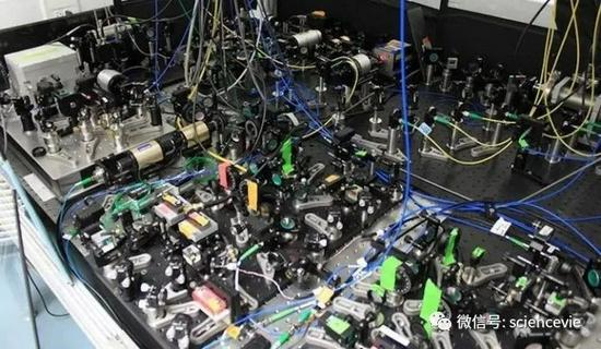 一个举办了10年的尝试却得出残忍的结论:电子圆得完美无缺。太平洋在线下载