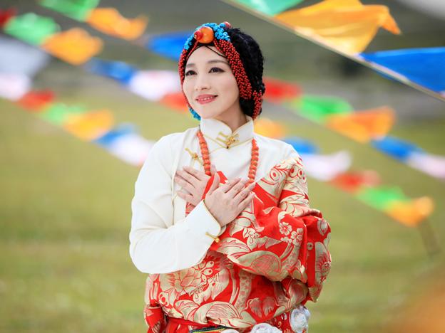 �情_廖芊芊拍《康巴情》mv 还原藏区人文美景
