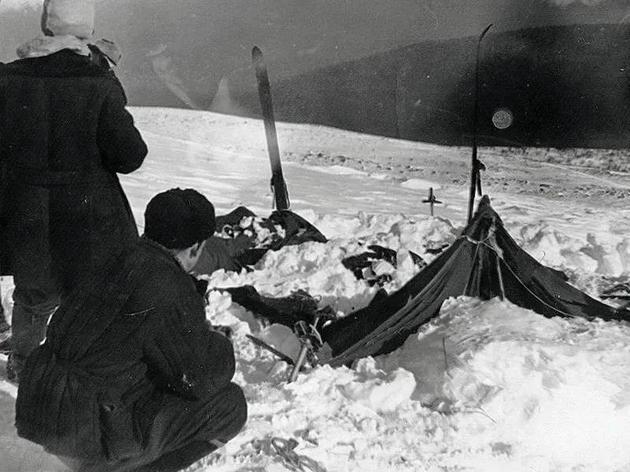 9人一夜间离奇死亡,史上最诡异的雪山悬案,终于迎来科学解释?