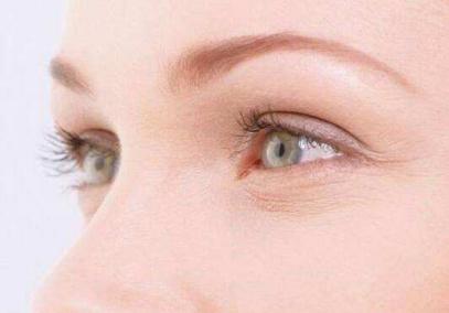 眼霜的作用是什么_眼部皱纹多用什么眼霜 实力去眼部皱纹的方法_新浪青岛_新浪网