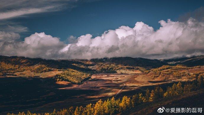 #每一帧都是壁纸的新疆# 每一次踏足这里,都是让心重回梦绕的远方。 📷:@爱摄影的磊哥 