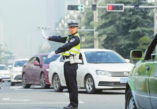 狼��fy��9g,9g`_邵军涛等30人被表彰为四川省特级优秀人民警察