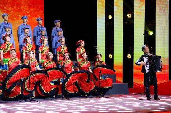 上万人参与永远跟党走 成都市庆祝中国共产党成立100周年群众歌咏评比举行