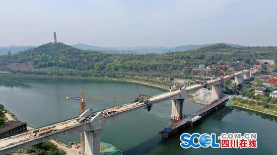 川南城际铁路内江三 元沱江特大桥正式合龙