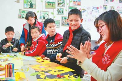 未來將建省社會組織孵化基地 截至2018年四川注冊的社工組織有1124個