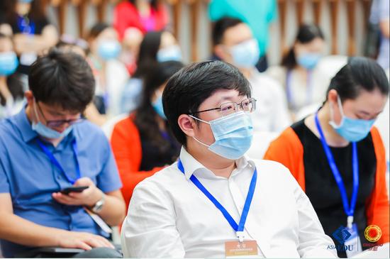 专访丨开校第二年 招生数量翻番!成都温江区二十一世纪的高人气从何而来