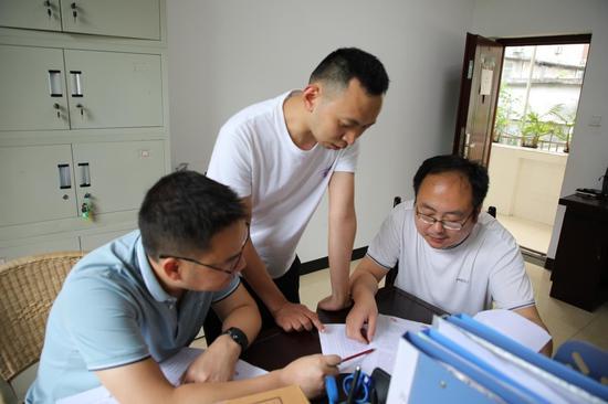私设小金库28万余元被举报 兴文一医院放射科两任负责人被查处