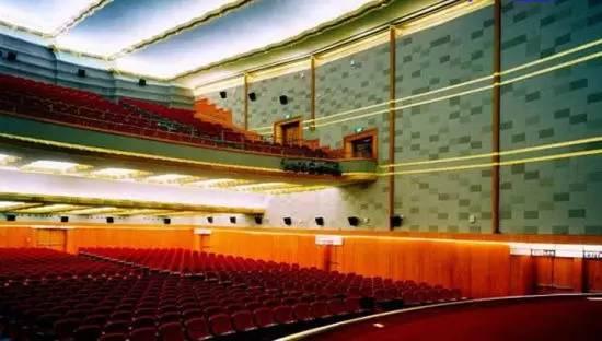 南昌上海路电影院_上海这些有特色的电影院值得你拥有:大光明电影院等_新浪上海
