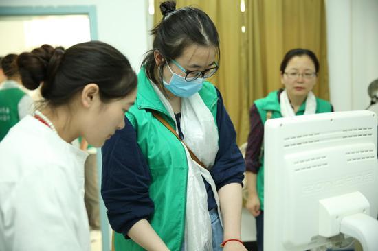 《远东医疗队第七次青藏行,藏民又一次的义诊体验》