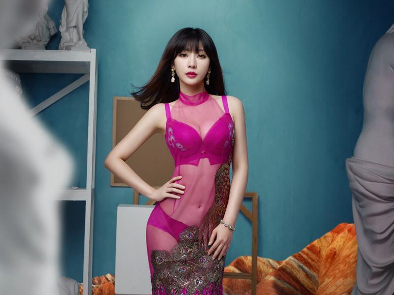 柳巖內衣秀堪稱中國的維秘圖片