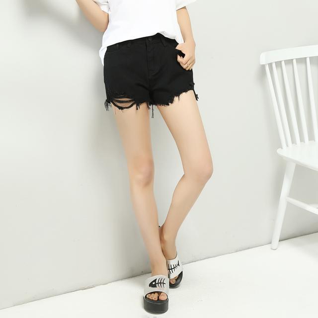 杨幂搭错扣的短裤,还能拉高腰线更显腿长