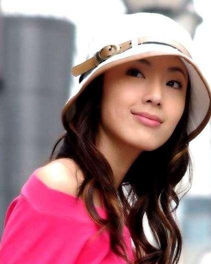 她是黄晓明前女友,下嗲女光环的她才是真正的女神