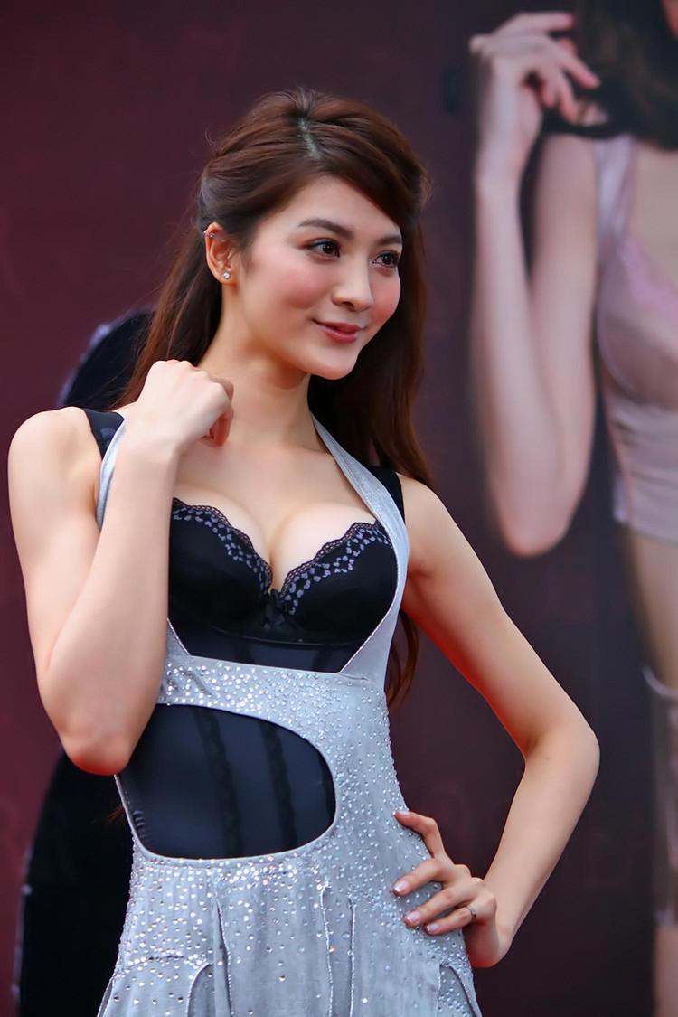 她正当红惨遭富少性侵,涉案女艺人远超陈冠希艳照门
