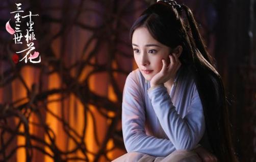 赵丽颖晒自拍却遭到杨幂粉丝指责,只因说了这两个字