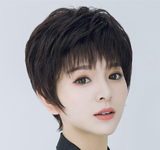 50岁女人短发最新发型_40-50岁女士发型 时尚妈妈短发图片
