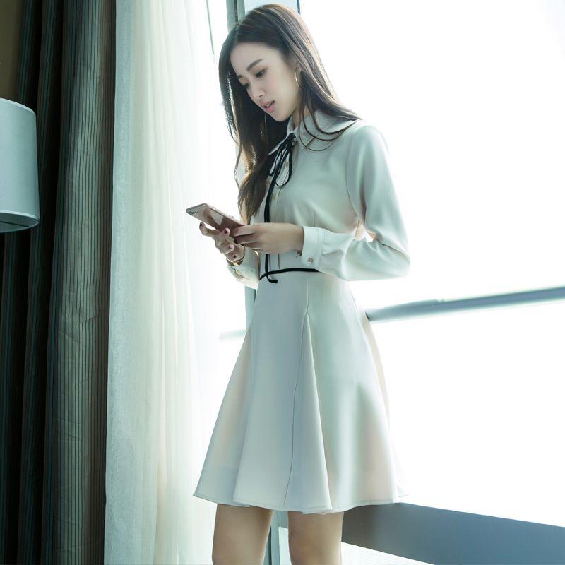 一款自己钟情的连衣裙,做一个精致的女人