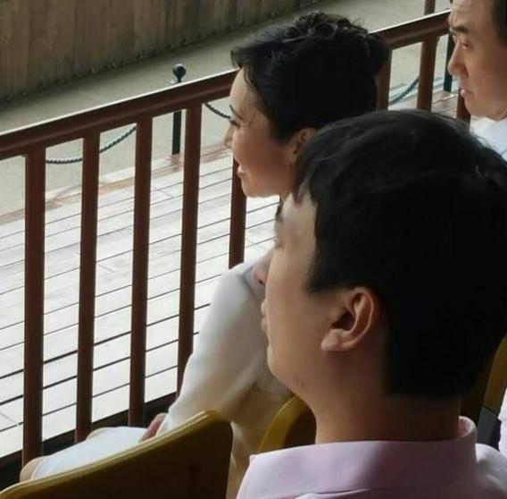 王思聪一家亮相 母亲林宁气质秒杀网红资料曝光也是霸道女总裁