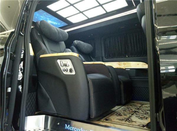 奔驰V260L终结埃尔法,配宝石蓝漆,带1米4双人床,豪华堪比S级
