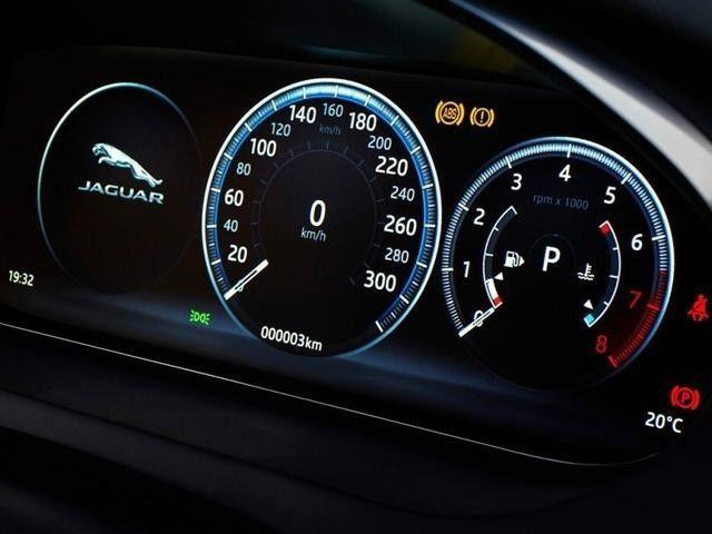 宝马X1死对头,国产28万起售,全系标配四驱,到底买谁?
