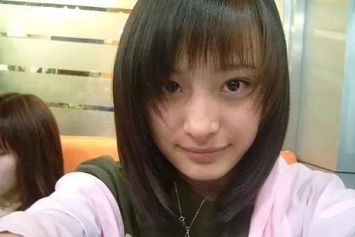 杨幂初中生活照曝光,和她做同学是什么感受?