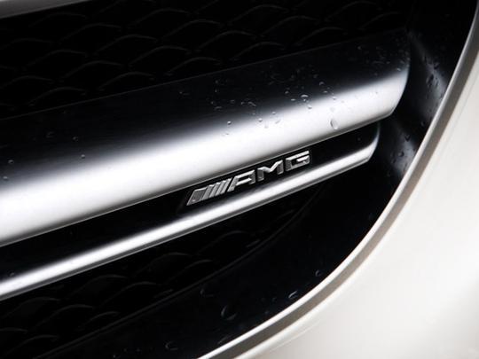 奔驰amg是什么意思_奔驰车后面写着AMG是什么意思-新浪汽车