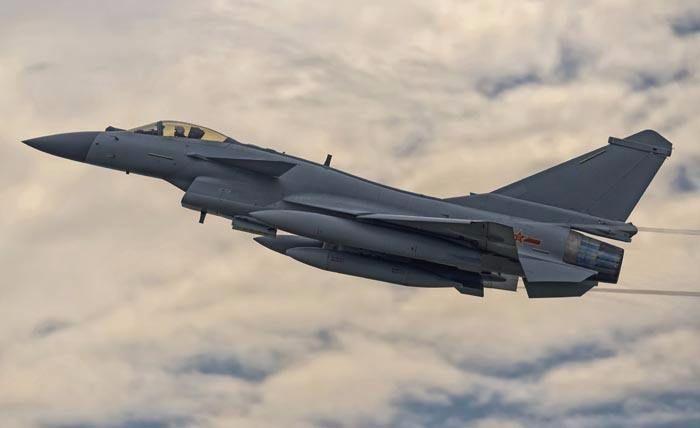 中国最早配相控阵雷达的战机是谁?不是歼20,你绝对猜不到!