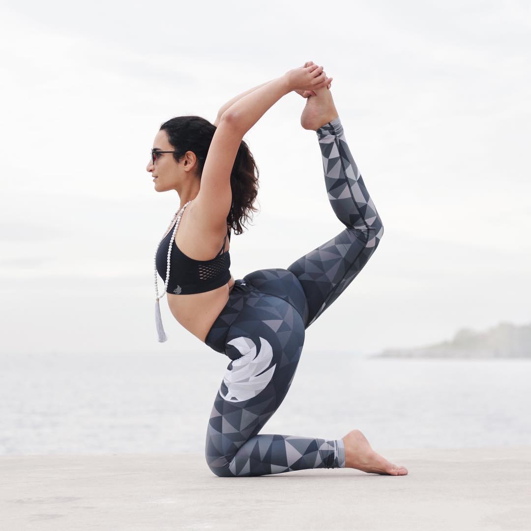 美女vanessa柔美瑜伽攝影照片一組!圖片