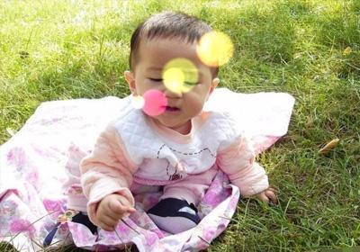 一岁的宝宝发高烧, 无知父母却用土方法将孩子
