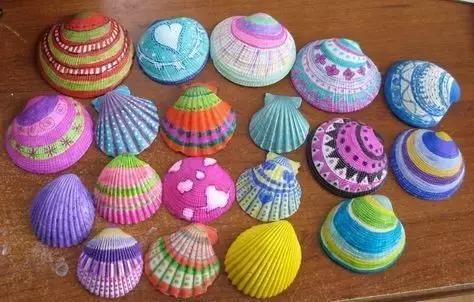 幼儿园废物利用手工: 创意涂鸦粘贴, 打造立体贝壳花装饰, 美呆了