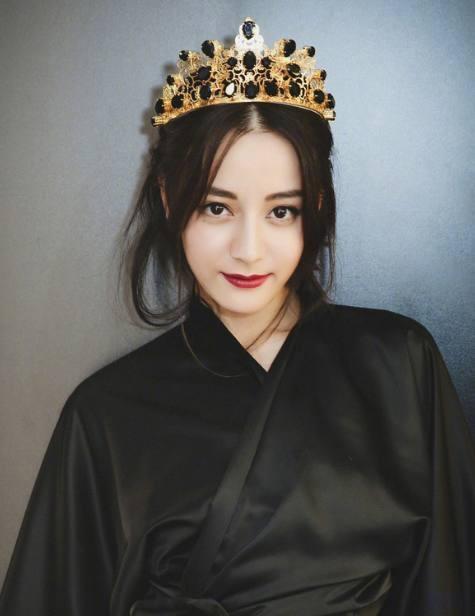 热巴照片_最受00后喜爱的女星排名:郑爽垫底,热巴第二,第一是韩国人!