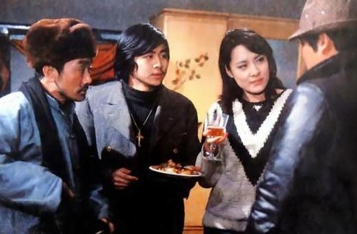 18岁一夜成名,当红时为爱退出娱乐圈,与二婚丈夫是半路夫妻