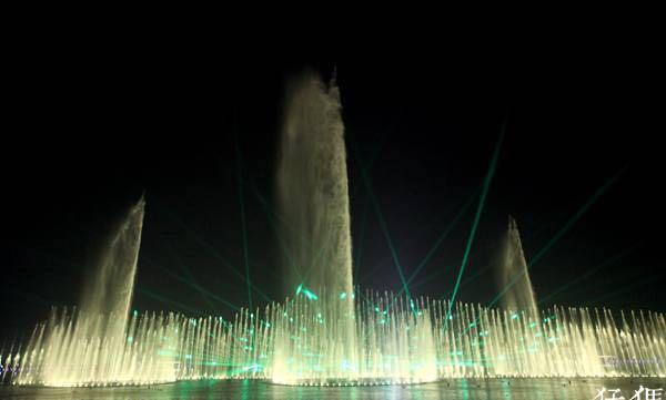 世界一流音乐喷泉来郑州了!主喷100米高,颜色美如画