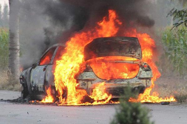 汽车保险别被忽悠了:新手买4个,老司机买3个险种就行了