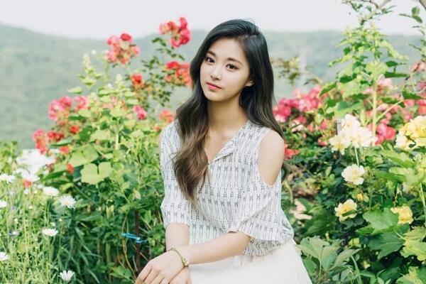 亚洲100最美面孔_2017年全球最美面孔100人排行榜,亚洲第一美是她?
