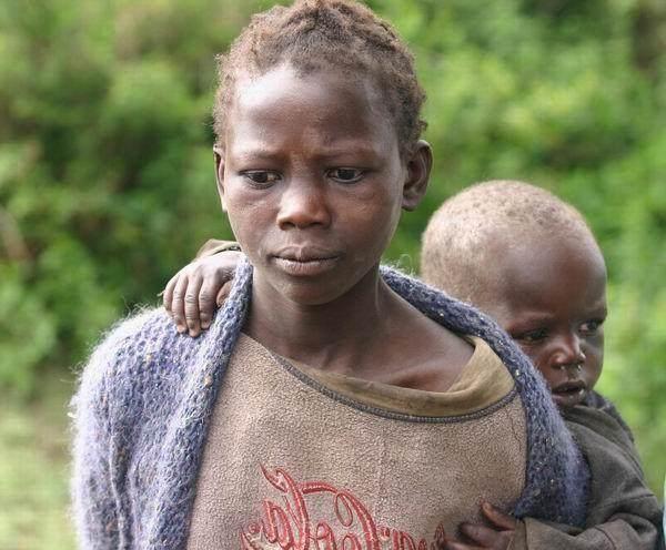 女人的逼和男人的鸡_非洲一小国,女人丈夫死后被逼陪男人睡觉,被老男人