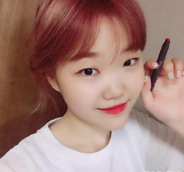 单眼皮女明星_5位单眼皮韩国女星的眼妆法大公开