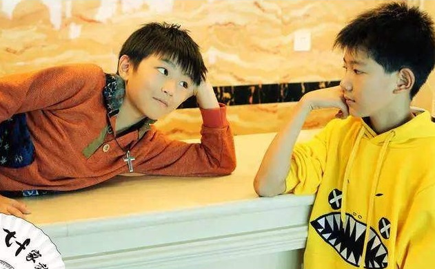 王源张嘴睡觉的照片_王俊凯和王源关系有多好,4张照片告诉你!看哭了多少人?