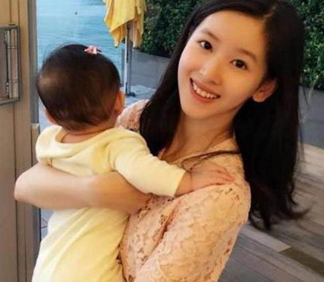 奶茶妹妹_奶茶妹妹魅力何在?刘强东为什么对她如此痴迷,看完你就知道了!