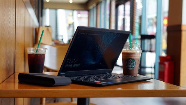 新媒体的最强生产力—ThinkPad X1 Carbon 2017