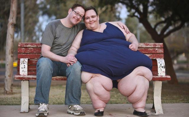 世界上最胖的人_1,体重最重,这个丈夫为了帮助妻子成为世界最胖的人,妻子每天动都不动