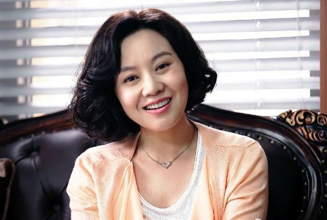 女明星有哪些_中国哪些女明星人气高,人品好,没有被网友骂的?