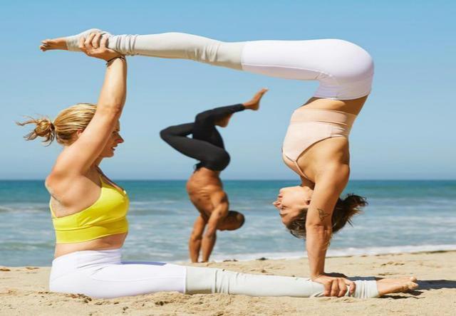 有閨蜜一起練瑜伽,就是最美的時光,你不會再感覺孤單!圖片