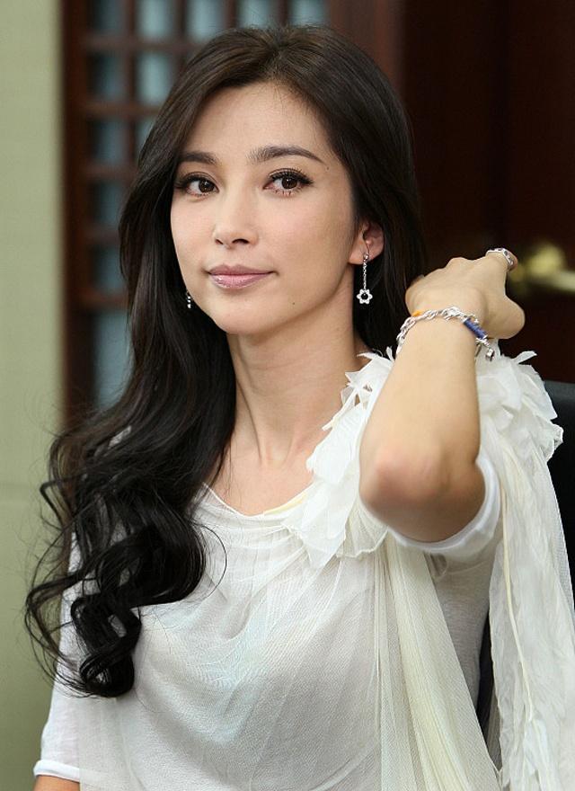 一线女明星_她是中国最好的老板!一线女明星!手下员工3年0辞职!