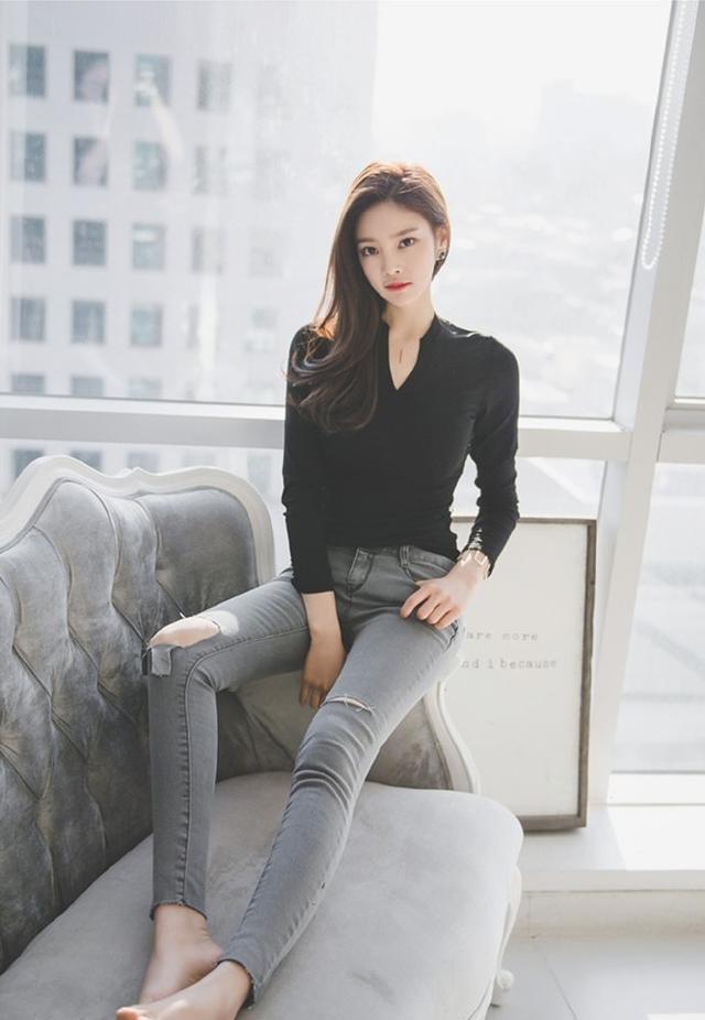 美女926日本873_气质美女,长腿紧身牛仔裤搭配!